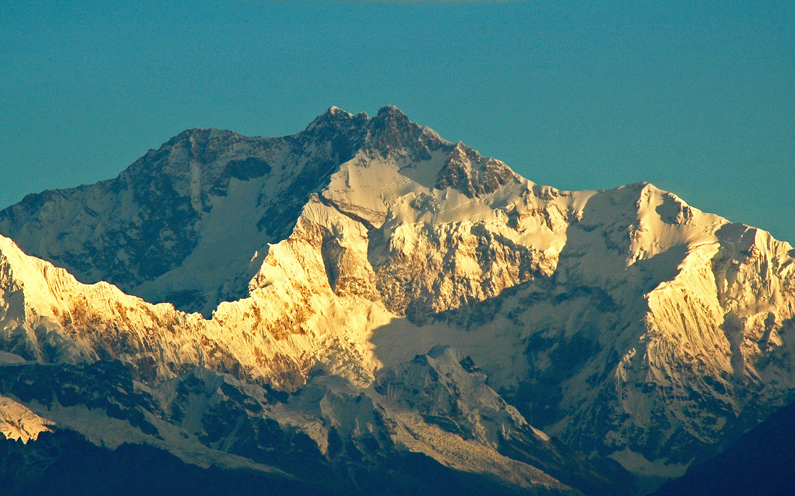 MT. KANGCHENJUNGA EXPEDITION (8586 M)